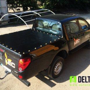 Mitsubishi L200 kravas kastes pārsegs ar nerūsējošā tērauda stiprinājumiem